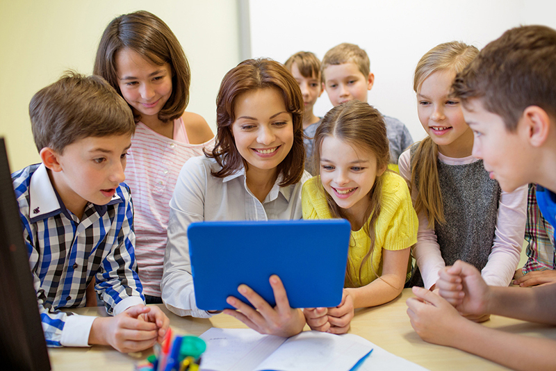 Technology Moves to the Head of the 21st Century Classroom